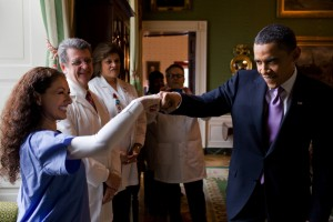 Barack-Obama-fist-bump